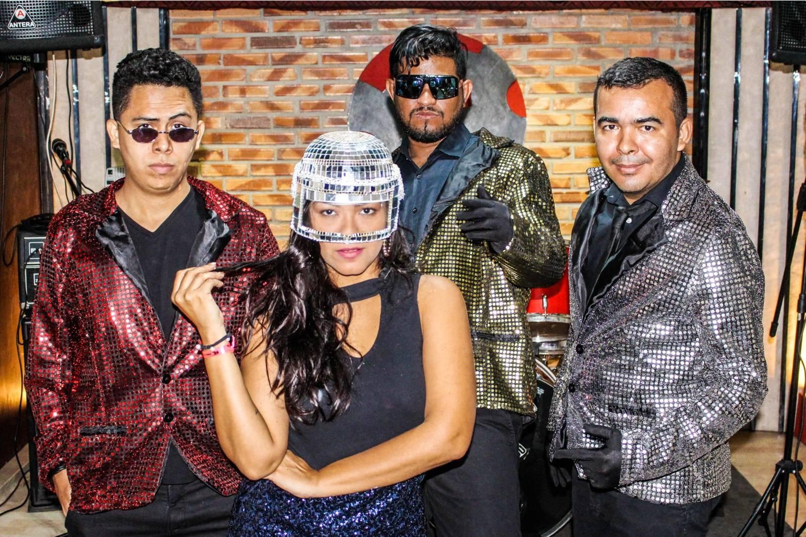 Gang do Eletro e Nanna Reis interpretam Daft Punk na Alemanha