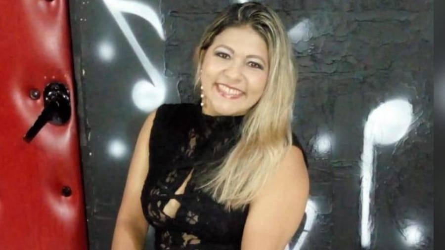Paraense Nívea Magno faz mix de estilos de sucesso em show neste domingo, 17